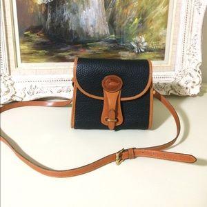Vintage Dooney and Bourke crossbody purse/bag